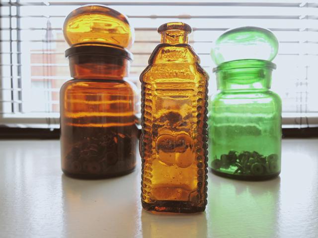 vintage medicijnen flesjes