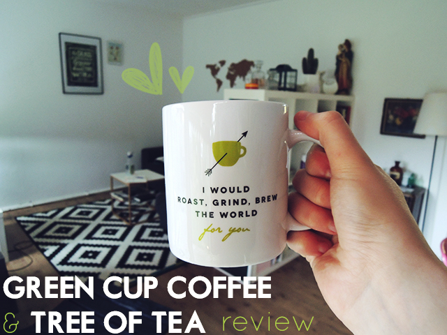 green cup coffee en tree of tea