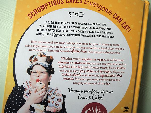 Kookboek ms cupcake vegan cakes ikbenirisniet for Vegan kookboek