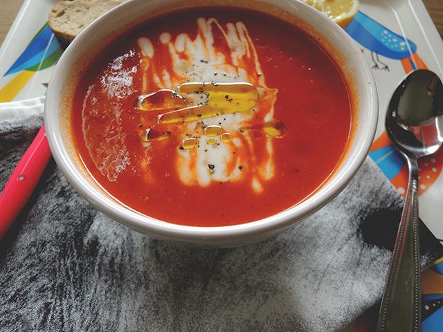 tomatensoep met yoghurt