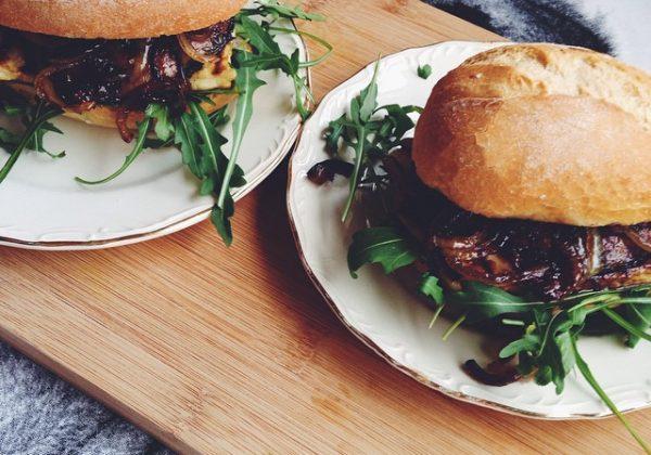 halloumi portobello burger recept