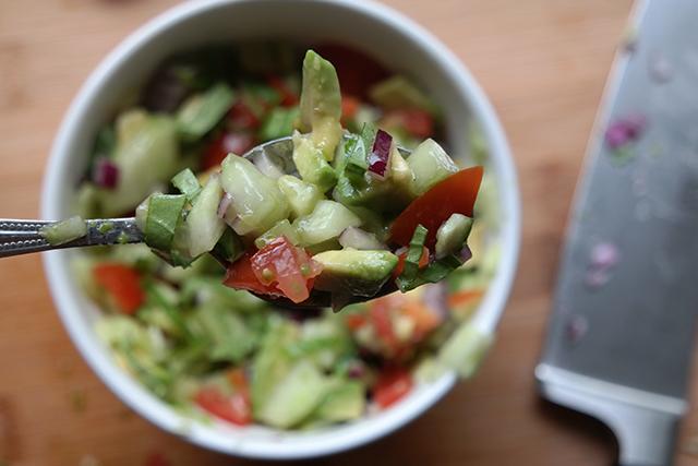 recept: koude soep van avocado en komkommer