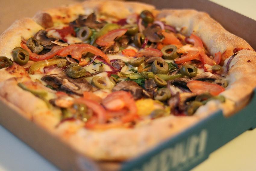 pizza-van-dominos