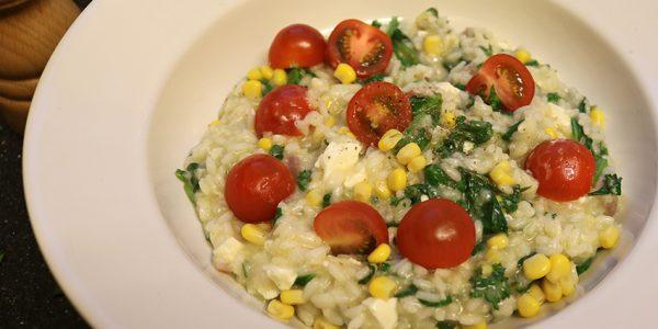 Risotto met spinazie en maïs