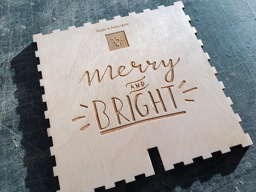 Handlettering voor Light in a Cube