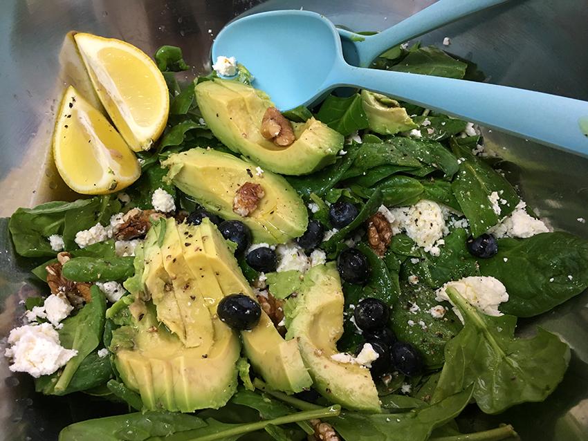 groene salade met spinazie