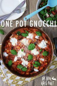 Recept: One Pot Gnocchi met tomatensaus, mozzarella en cannellinibonen