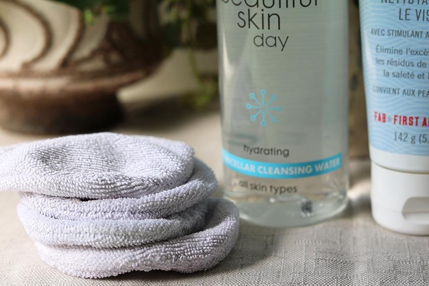 Huidverzorgingsroutine tegen acne: wattenschijfjes