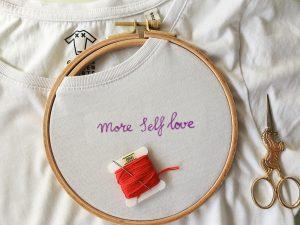 DIY: Quote borduren op een shirt